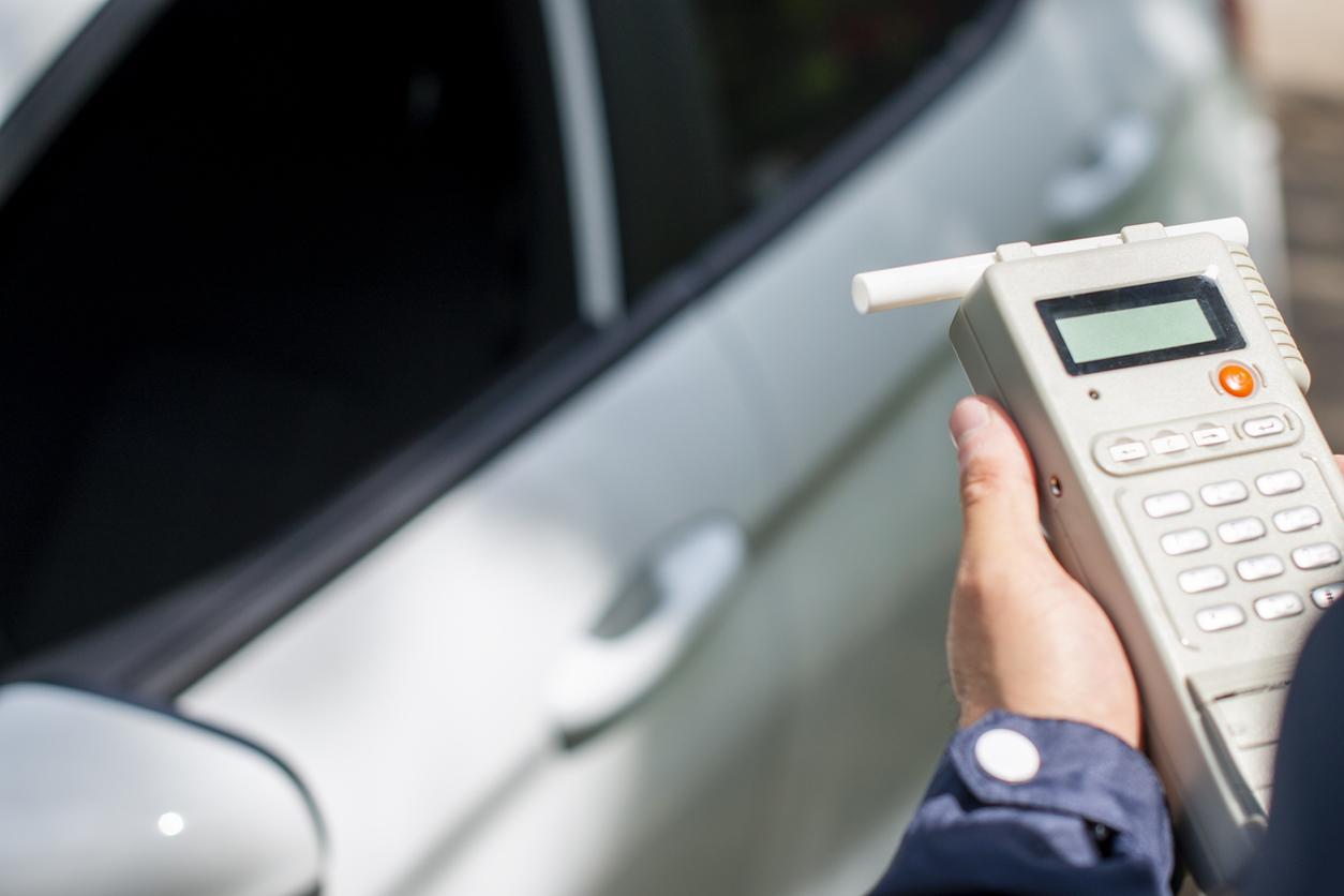 飲酒運転防止に、呼気中のアルコール濃度を手軽にチェック